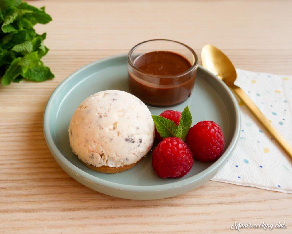 glace meringue et chocolat